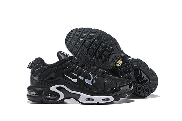 Nike Air Max Plus Black White 815994 004