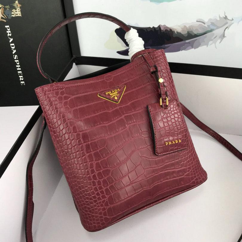 Wholesale Cheap AAA Designer Handbags for Women