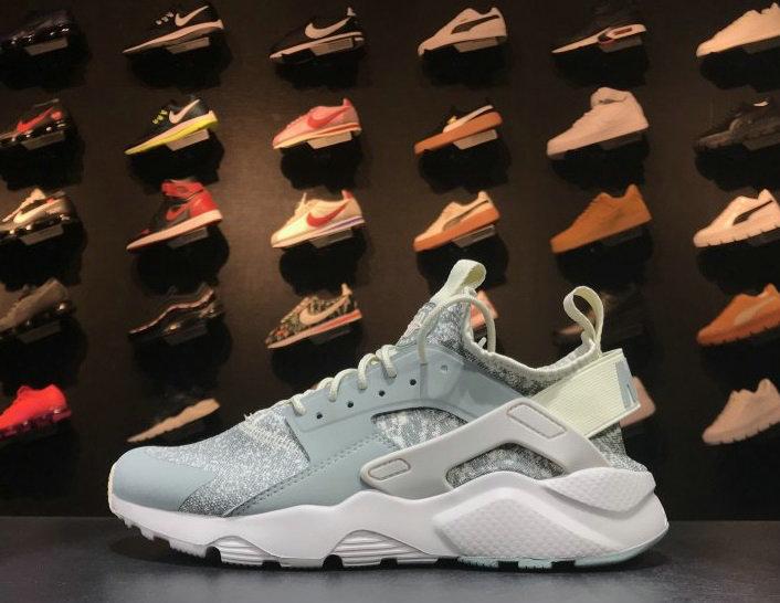Wholesale Designer Nike Huarache Sneakers-096